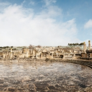 Panteón. Ruinas de la ciudad romana de Dougga (Túnez), nevada